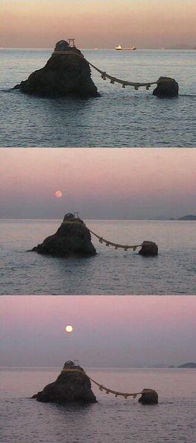 夫婦岩からの月の出